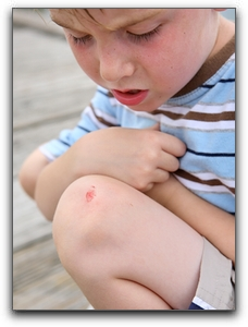 Treating Ellaville Kids' Minor Cuts And Bumps